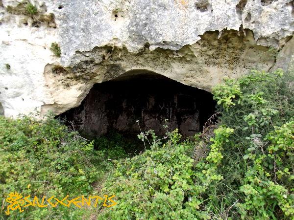 Ingresso alla grotta del turco, Otranto