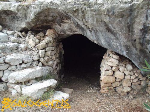 Grotta Montani, ingresso