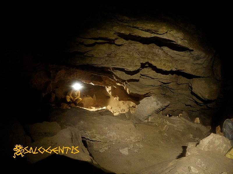 Uno dei due rami laterali della grotta