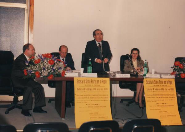 Tricase. Febbraio 1991. Da sx. Francesco Accogli, Vincenzo Cappelletti, Donato Valli e Luisa Cosi.