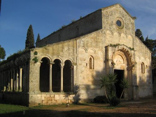 Chiesa di Santa Maria delle Cerrate (Fonte: Wikipedia)