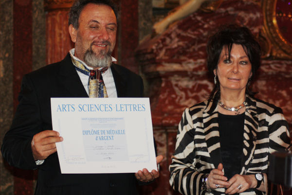Giuseppe Corrado, ritiro del premio a Parigi