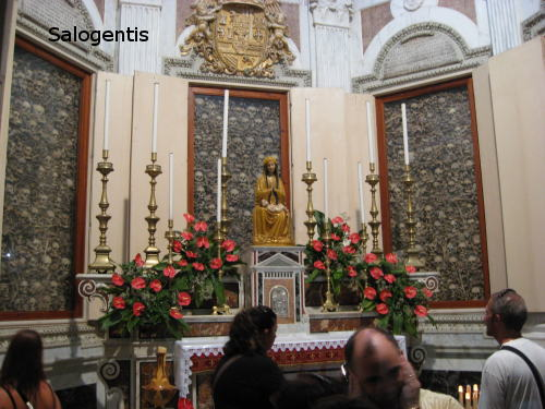 Le ossa e la Madonna dei martiri